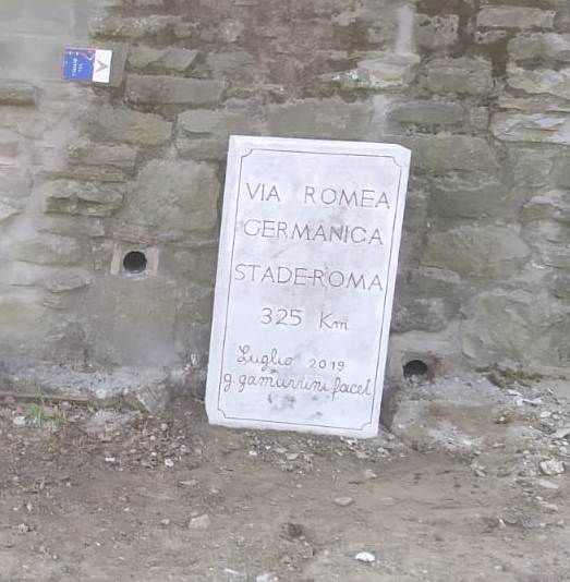 CASENTINO – TWO KILOMETER STONES PUT ON THE VIA ROMEA